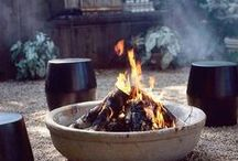 Firepits and fireplaces in the garden / Enjoy your garden year round with a firepit.