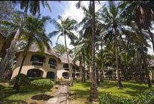 Severin Travel: Umweltschutz unter Palmen / Sowohl die Severin Sea Lodge als auch das Severin Safari Camp in Kenia stechen durch außergewöhnliche Anstrengungen im Umweltschutz hervor. Sie verfügen über biologische Kläranlagen, ein geschlossenes Recycling-System für Abfall und Solarenergie für Warmwasser. Eine hoteleigene Bio-Farm in Kikambala bei Mombasa versorgt Strandhotel und Camp mit Kunstdünger-freiem Gemüse, Früchten und Eiern von Freiland-Hühnern. Die Severin Sea Lodge beschäftigt als erstes Hotel in Kenia einen Umweltbeauftragten!