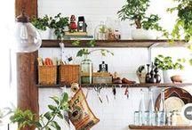 Kinfolk / Art de vivre qui vient des Etats-Unis. En décoration, cela se traduit par une mélange de style scandinave, indus, beaucoup de matières brute et naturelles, des plantes.