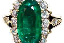 AA Esmeraldas e outras pedras verdes