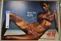 Ismeretlen szerző megviccelte a H&M óriásplakátokat