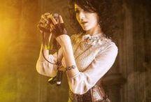 Moderní victorian / Moderní móda podobná tomu, co se nosilo v 19. století a na úplném počátku 20. století.