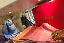 Sélection exceptionnelle d'écharpes et d'étoles / En exclusivité dans votre rayon Couture & Haute Couture de vos magasins Ellen Décoration, une sélection de foulards haut de gamme, fabrication française en quantité limitée.
