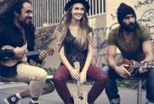 strange ukuleles / rock your life!