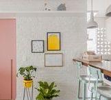 Pequenos Espaços / Small Spaces / Pequenos espaços com soluções inteligentes para aproveitar melhor cada canto.