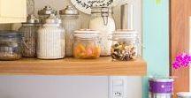 Cozinhas / Kitchens / Cozinhas brancas, coloridas, em madeira... Românticas, clean, pequenas, grandes, enfim, para todos os gostos e bolsos.
