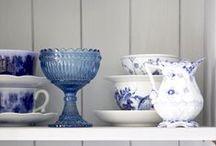 Azul  & Branco / Blue & White / Camas, louças, cozinhas, lavanderias... Tudo em azul e branco pra você se inspirar!