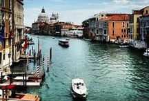 Italian art cities / Top destinations of the world's cultural tourism: italian cities and his monuments, churches, castles, museums, historic homes.