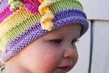 Maglia bimbi / Golfini, berretti, scarpine, copertine a maglia per bambini