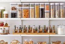 Despensa Organizada / Pantry Organized / Ideias que ajudam a te inspirar e deixar sua despensa mais prática, bonita e organizada.