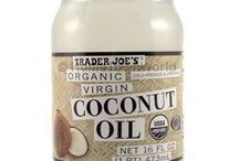 Organic Coconut Oil for Hair, Skin and Beauty / Best brands of organic coconut oil for all hair types including the best articles on coconut oil for hair, skin & beauty