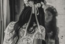 Wedding fangs / Wedding dresses for bride and bridesmaids, accessories, hairstyles and decoritive ideas
