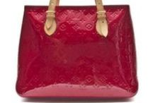 Top 10 Vintage bags at Leslie Hindman / You can find all of these lovley vintage bags and more here: http://vyx.se/ws9