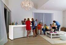 Exclusive party selection / De stijlvolle en trendy designermeubels van Wereldbar geven een exclusieve touch aan uw feest met vrienden, collega's of zakenrelaties!