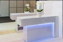 Trendy business solutions / Verbaas uw (potentiële) klanten en zakenrelaties met de stijlvolle en exclusieve meubels van Wereldbar en geef een trendy uitstraling aan uw onderneming.