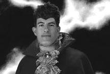 Il medium francese Fabien de La Noisette / Di lui poco si sa, almeno per il momento: è nato nel castello di La Noisette, alle porte di Parigi, un edificio risalente all'epoca rinascimentale ingrandito e modificato nel corso dei secoli; la leggenda collega i signori del maniero al bosco di nocciòli che lo circonda, e in particolare a una nocciola dotata di virtù magiche, forse esistita in passato. Fabien ha sempre a che fare con gli spiriti, e proprio per questo ha intervistato Stella Demaris.