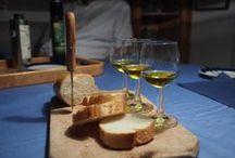 Bestes Bio-Olivenöl aus der Provence / Damit das Warten auf Silvester nicht zu langweilig wurde, haben wir in geselliger kleiner Runde eine Verkostung unserer Olivenöle aus der Provence - alle in Bioqualität - gemacht. Das Resultat: zufriedene Gäste, die nun wissen, wodurch sich hochwertiges Olivenöl auszeichnet. Handverlesen, mit Bio-Zertifikat, aus unterschiedlichen Gegenden der Provence mit Höhenlagen von Meereshöhe, 300 m und 600 m.
