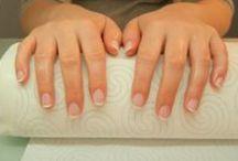 French manicure / Tradycyjny francuski manicure.