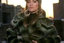 Jennifer Lopez in fur / Une autre amoureuse et diva de la fourrure qui nous impressionne de par ses fourrures