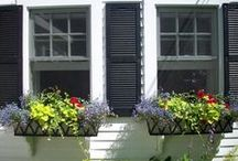 Customer Photos / Photos provided by our customers of our products accenting their homes and gardens.