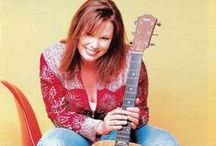 SUZY BOGUSS / SUZY BOGGUSS at the Newt on 3/29/2015
