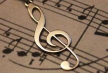 Music  /  Música / Music at all. Música em tudo.