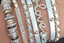 Gorgeous Jewelry / I admit that I really love jewelry, and I bet you do too! :)