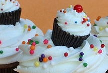 Cupcakes, cakes & cookies / by Melissa Miller