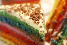 Food - Cakes / by Rayne Beaux