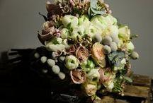 Inspiración | La Floreria | Novias | Brides / Ramos de novia, predidos y coronas que nos inspiran  nuestros y de todo el mundo.