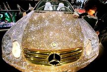 Lady - Bling / Diamonds and Gold and all things Bling! #spiritofaustralia, #australia, #australianculture, #bling