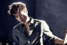 Se7en / Choi Dong-wook; born: 9 November 1984; South Korean singer