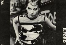 PRETTY VACANT / punk fashion in the UK