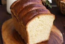 Bread Recipes / Easy homemade sweet and savory bread and buns recipes - perfect for breakfast, brunch, sandwiches or a quick snack!