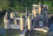 Monuments entre Loire et Cher - Monuments between Loire valley and Cher valley / Châteaux, églises, etc. dans la boucle de la Loire