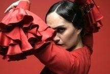 Carmen  / L'amour est enfant de bohème Il n'a jamais jamais connu de loi Si tu ne m'aimes pas je t'aime Et si je t'aime prends garde à toi