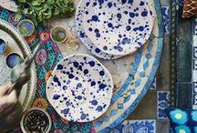 """IKEA Limitiert - JASSA Kollektion / Geschwungenen Möbelstücken aus Naturfasern, liebevoll handgeflochtene Körben und farbintensive Textilien - das ist die limitierten JASSA Kollektion. """"Bei JASSA haben wir Vertrautes wie handgewebte Objekte aus Naturfasern und Batiktextilien in etwas Neues, Aufregendes verwandelt."""" so Creative Leader Karin Gustavsson. Schau rein und lass dich von JASSA verzaubern! Solange der Vorrat reicht, erhältlich ab März 2017. ©Inter IKEA Systems B.V. 2017"""