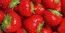Aardbeien / Onze banketbakkers zijn dol op verse aardbeien. Hier kunnen ze namelijk heerlijke producten mee maken.