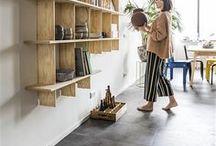 IKEA Limitiert - INDUSTRIELL Kollektion / Der niederländische Designer Piet Hein Eek ist bekannt dafür, aus wiederverwendeten Materialien wunderschöne Möbel zu gestalten. Gemeinsam mit IKEA entwickelte er die neue limitierte INDUSTRIELL Kollektion. Die Idee dahinter: Produkte, die in Serie produziert werden und doch etwas Handgemachtes, eben Nicht-perfektes ausstrahlen. Möbelstücke, die für viele erschwinglich sind und trotzdem Unikate bleiben. Solange der Vorrat reicht, erhältlich ab April 2018. ©Inter IKEA Systems B.V. 2018