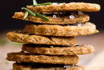 Crackers and biscuits for cheese recipes / Recipes for savoury crackers