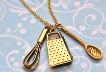 odd jewelery / by Denise Hartle