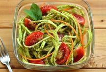 Spiralizer Recipe inspiration / Increase your fruit and vegetable intake with these delicious recipes using a spiraliser