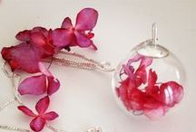 "Pink hydrangea flowers necklace in Sterling Silver 925 from 20€ / The hydrangea symbolizes heartfelt emotions..."" #Pink #Heart #True #Friendship #Love #SterlingSilver #Necklace"