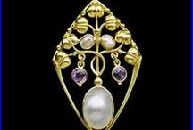 English Arts & Crafts Jewellery circa 1900 / English Arts & Crafts Jewellery circa 1900