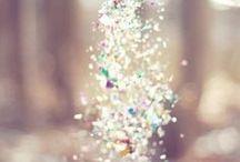 glitters / sparkle