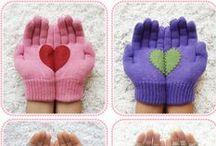 Knitted Gloves / Some lovely knitted gloves to keep cosy this Winter!