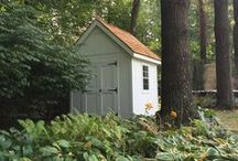 Sheds & Garages / When you are looking for a storage solution, we've got you covered! Whether it's big or small, wood or vinyl, pre-assembled or built on site, we do it all. We help you design a building that fits all of your needs and your budget. When it comes to storage sheds, garages and garden sheds, we build the best!
