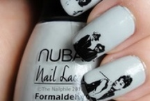 nails with a print
