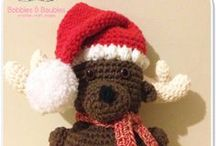 Christmas Crochet / I scoured the web for the very best of free crochet Christmas patterns and put them together in a nice neat gift box.  Enjoy!