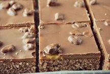 LeivinLiinan leipomuksia / LeivinLiinalla on erilliset taulut täytekakuille (my cakes) ja koristeellisille pipareille (my cookies). Tervetuloa tutustumaan myös niihin! My English friends! Sorry but the recipes are only in Finnish :(
